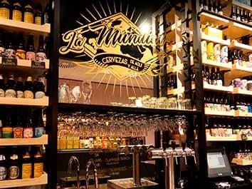 https://lamundial.es/wp-content/uploads/La-Mundial-Tienda-de-Cerveza-Madrid-Local.jpg