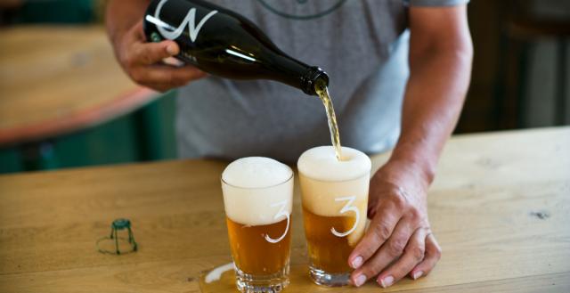 servir cerveza lambic